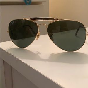 RAY BAN AVATOR OUTDOORSMEN never worn!!!